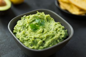 homemade-guacamole-nutrition-refined